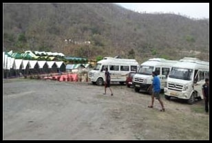 parking-space-in-camps-of-rishikesh